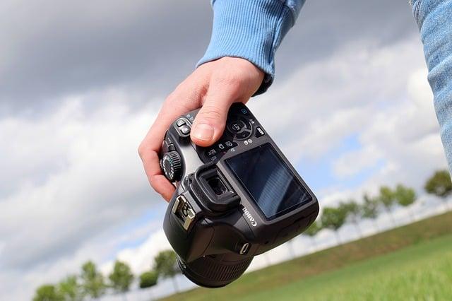 להרוויח כסף מהבית ממכירת תמונות לאתרי תמונות
