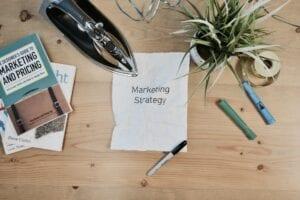 חשיבה על אסטרטגיית שיווק- דף ועט